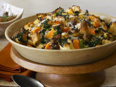 Sausage and Kale Thanksgiving Dressing