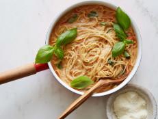 One-Pot Spaghetti with Fresh Tomato Sauce