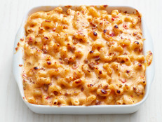 Mac and Cheese Queso with Sausage