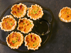 Mini Quiches with Peas and Bacon