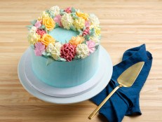 How to Pipe Buttercream Flowers