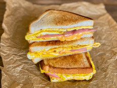 One-Pan Ham, Egg and Cheese Breakfast Sandwich