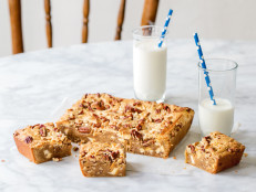 White Chocolate & Pecan Blondies