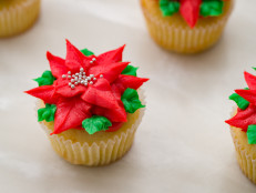 Poinsettias Cupcakes