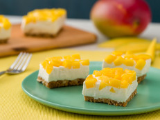 No-Bake Mango Cheesecake Bars