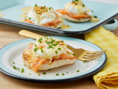 Eggs Benedict with Hollandaise Sauce (Three Ways)