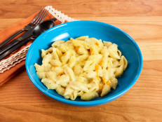 Creamy Dairy-Free Stove Top Mac and Cheese