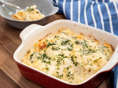 Low-Carb Cheesy Cauliflower Gratin Bake