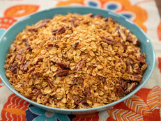 Toasted Oat and Nut Granola