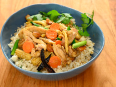 Thai Cashew Chicken with Cauliflower Rice