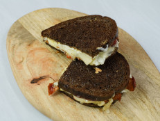 Fontina and Mozzarella Grilled Cheese with Bacon and Honeycrisp Apples