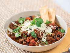 The Kitchen Thanksgiving Live: Sunny's 5-Ingredient Chili