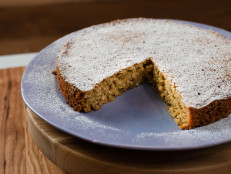 Gluten-Free Cashew Oatmeal Cake