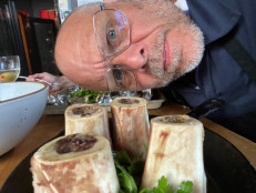 Alton Brown Cooks Live: Bone Marrow with Parsley Salad
