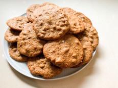 Chewy Maple Pecan Cookies