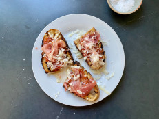 Pan con Tomate with Jamon and Cheese