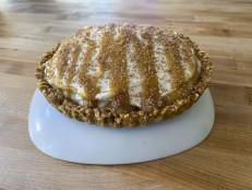 Pretzel-Crusted Butterscotch Banana Cream Tart