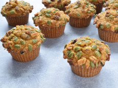 Pumpkin Walnut Crunch Muffins