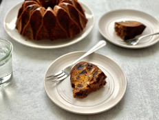 Holiday Fruitcake with Dried Fruit
