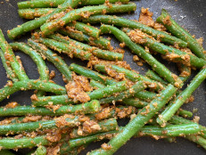 Almond Butter Green Bean Sabzi