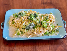 Quick Fettuccine and Broccoli Alfredo