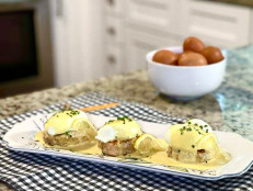 Salmon Cakes Eggs Benedict