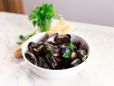 Bobby's Steamed Mussels