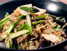 Barley Salad with Asparagus and Mushrooms