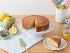 A Cake for the Working Week (Poppy Seed Yogurt Cake)