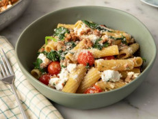 Rigatoni with Sausage, Spinach and Goat Cheese