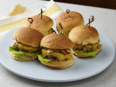 Sexy Sliders with Fancy Sauce and Cola Onions