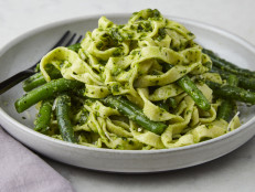 Linguine with Spinach-Basil Pesto