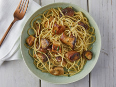 "Linguine with Trumpet Mushroom ""Scallops"""