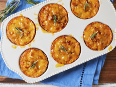 Apple, Ham and Cheddar Biscuit Cups