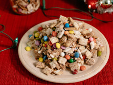 Gingerbread Snack Mix