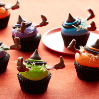Encore: Witch Crash Cupcakes
