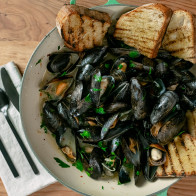 Encore: Simple Steamed Mussels