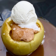 "10-Minute Ginger Cake ""Baked"" Apples"